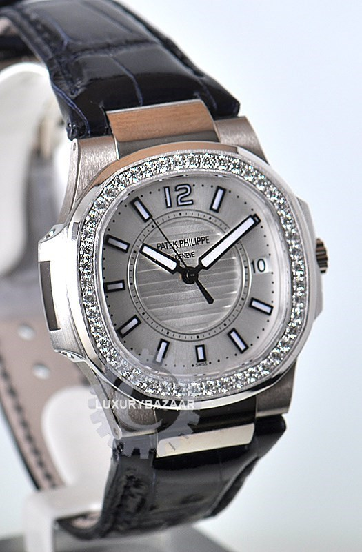 Patek philippe nautilus ladies 7010g luxury bazaar for Patek philippe women