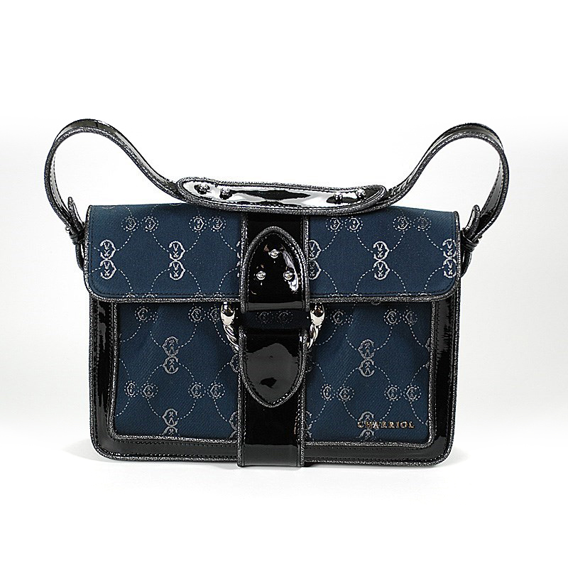 CC Logo Canvas Pochette Handbag BAGLECO.02.905