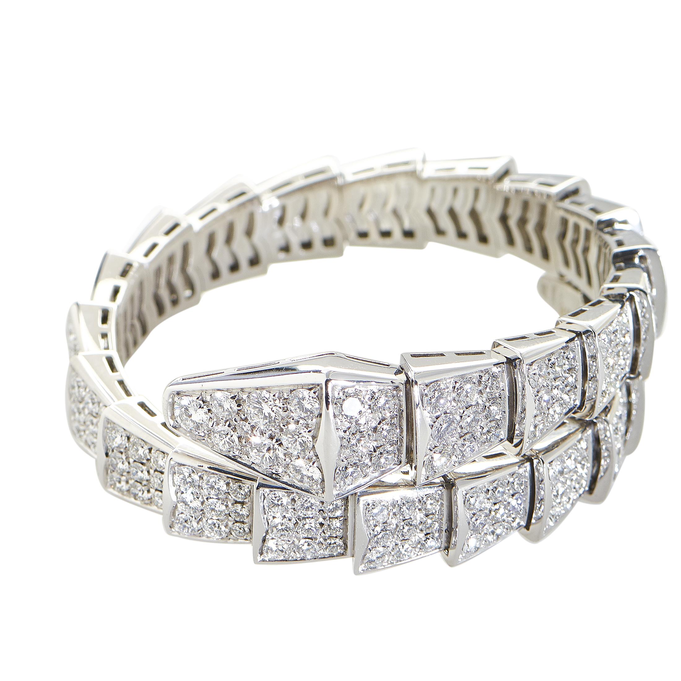 Serpenti Womens 18K White Gold Full Diamond Pave Small Bracelet