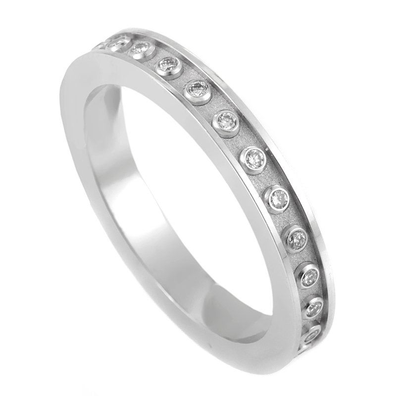 Mi Princesa 18K White Gold & Diamond Wedding Band