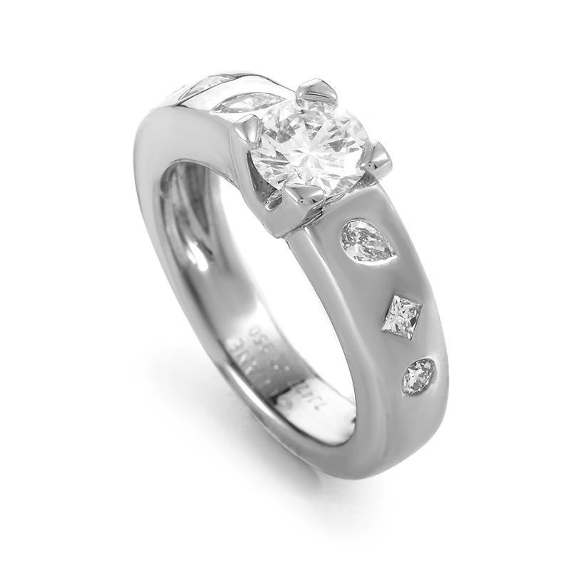 Chanel Womens Platinum Diamond Engagement Ring