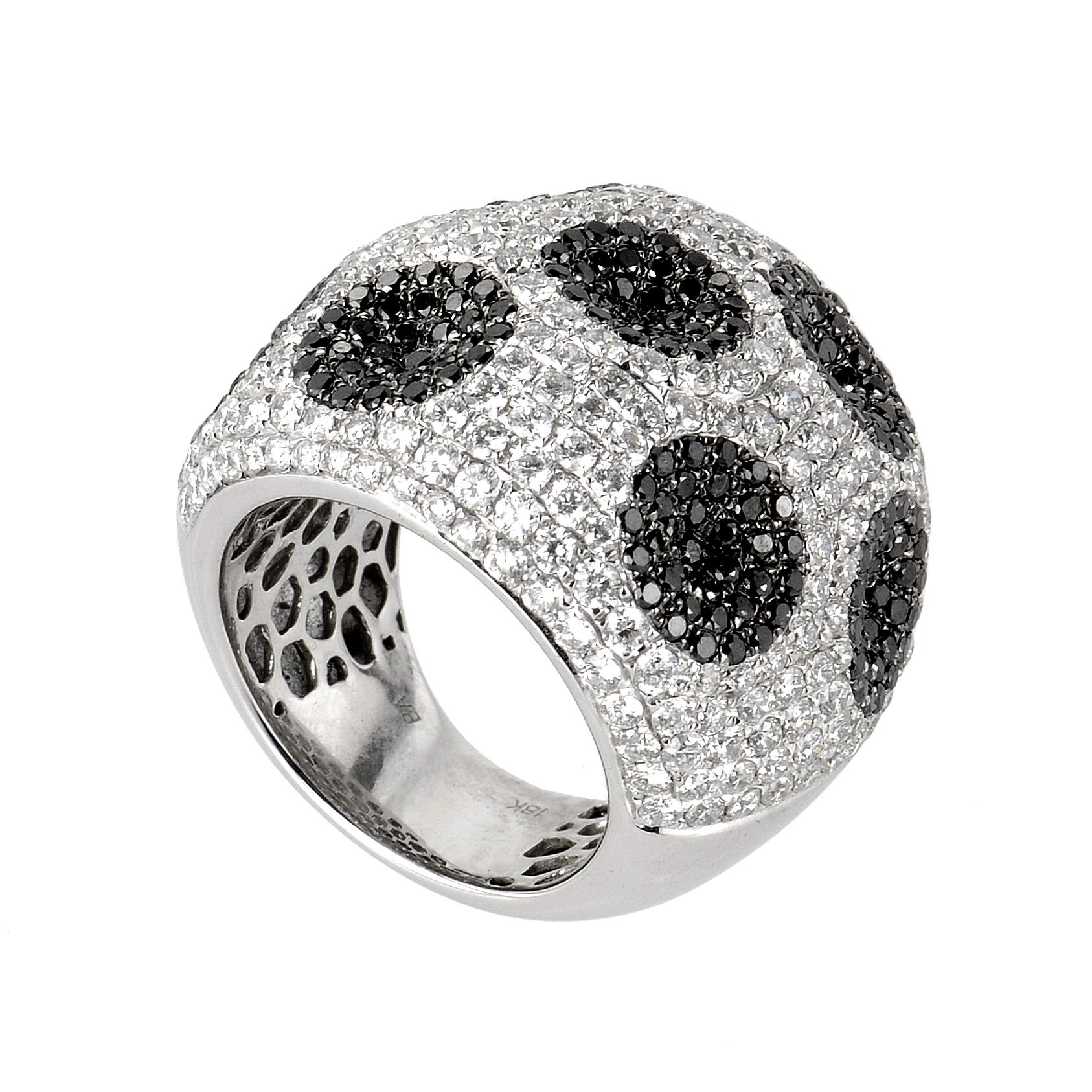 18K White Gold Spotted Diamond Ring