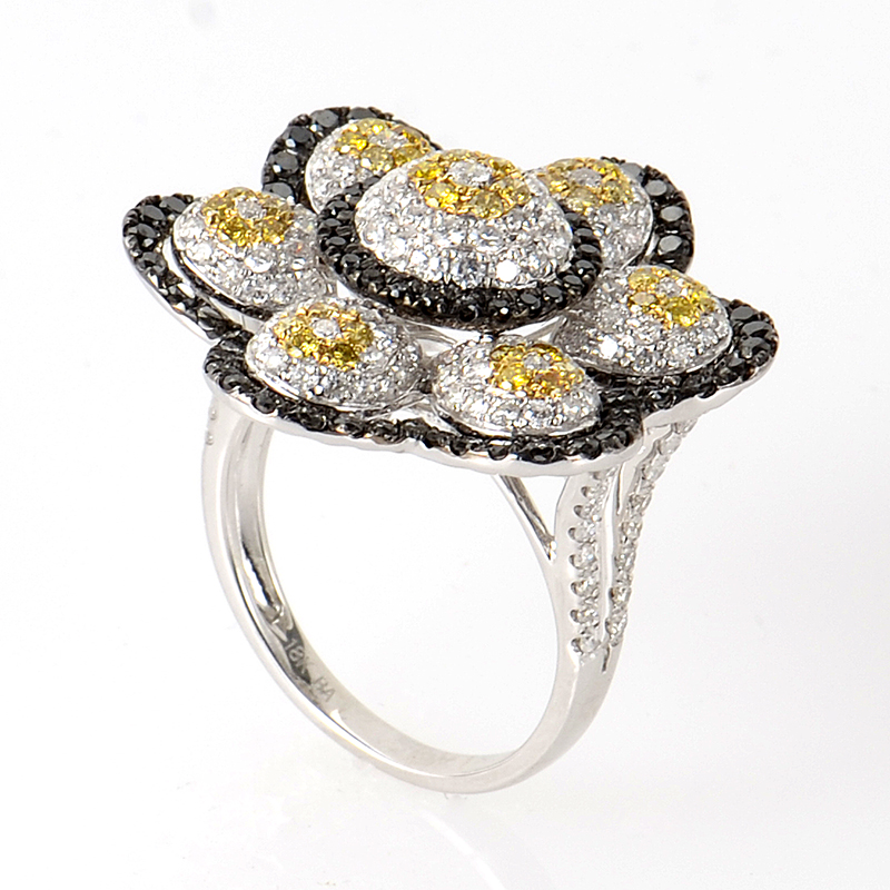 18K White Gold Multi Flower Diamond Ring