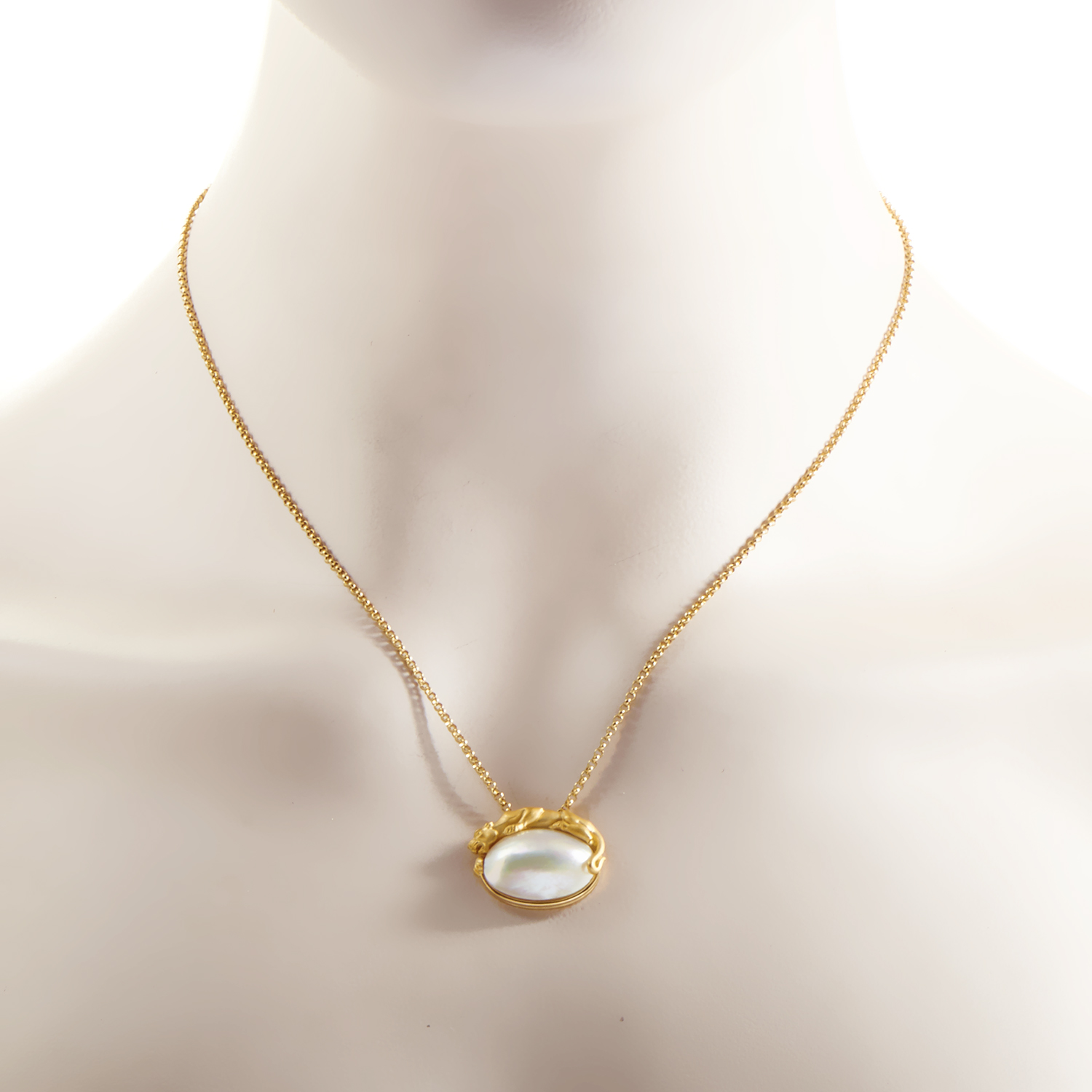 Mabe Pearl Necklace: Carrera Y Carrera Women's 18K Yellow Gold Mabe Pearl