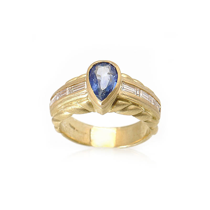 18K Yellow Gold Diamond Sapphire Ring