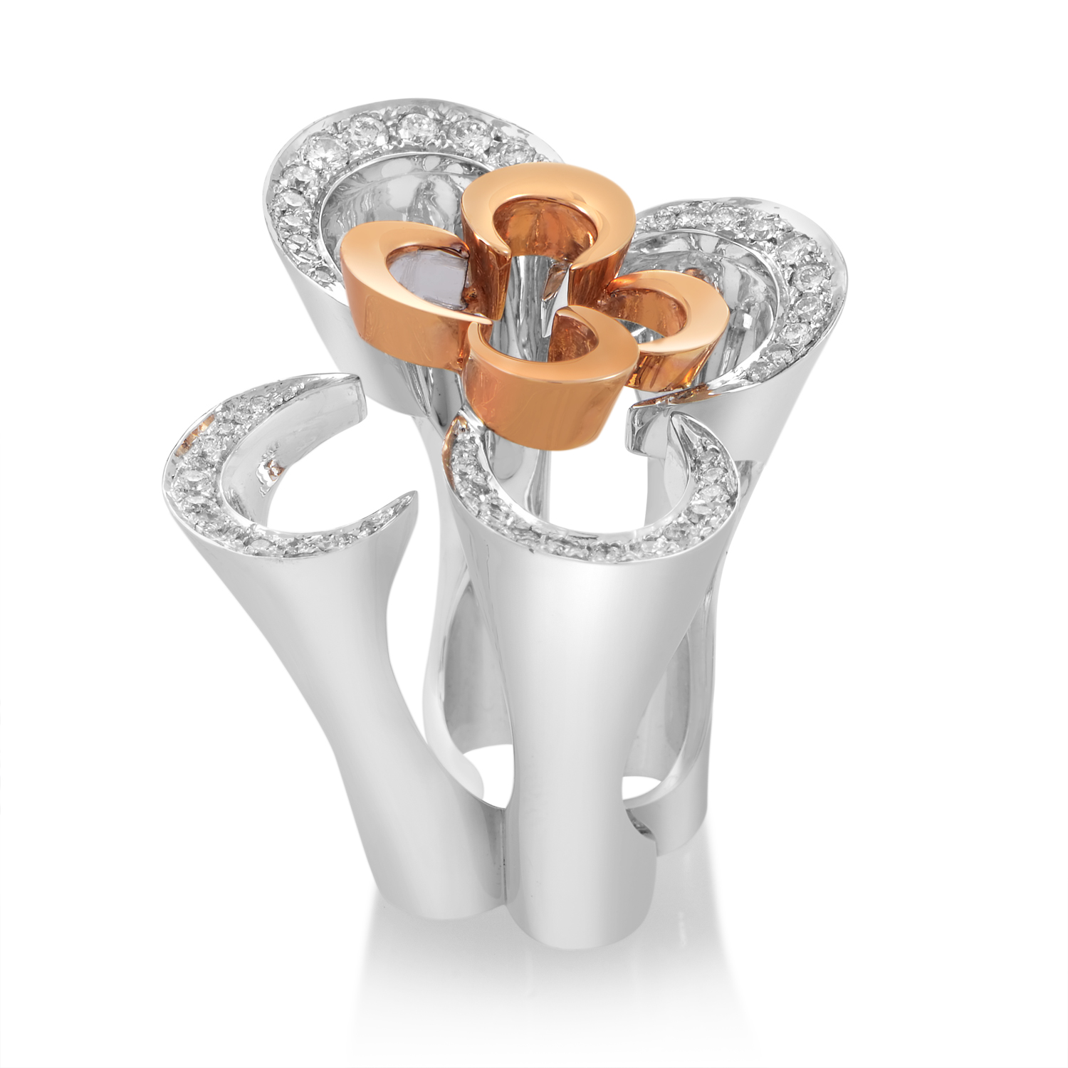 18K Multi-Tone Gold Diamond Flower Ring