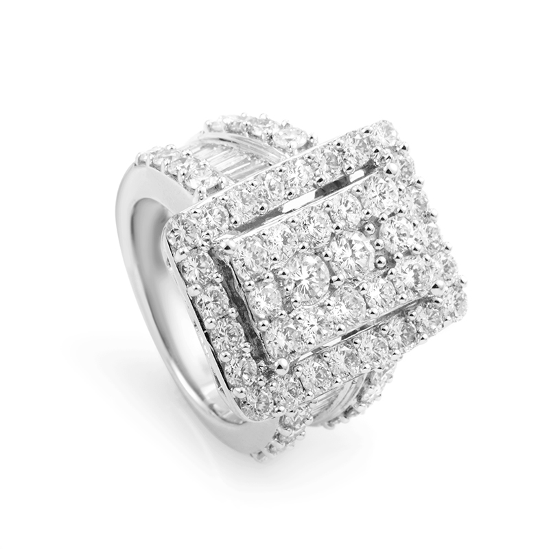 18K White Gold Diamond Ring 21639174