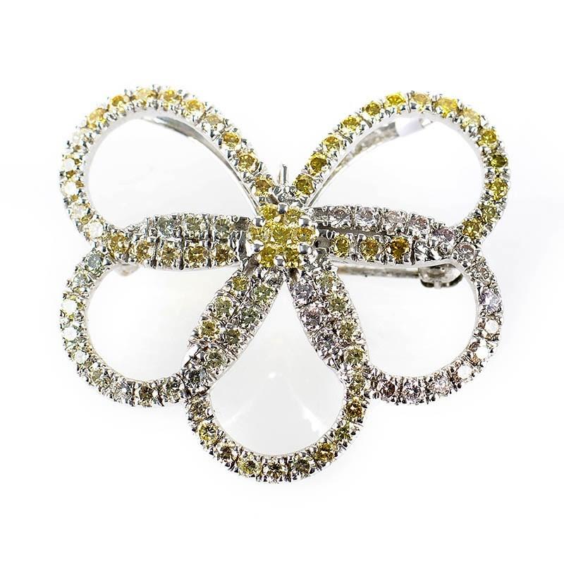 18K White Gold Multi Diamond Flower Brooch