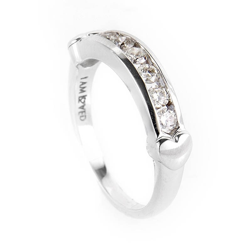 10K White Gold Diamond Hearts Band Ring