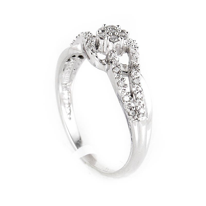10K White Gold Diamond Ring LD1-01196