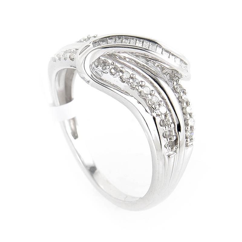 10K White Gold Multi Cut Diamond Swirl Ring LF1-03221