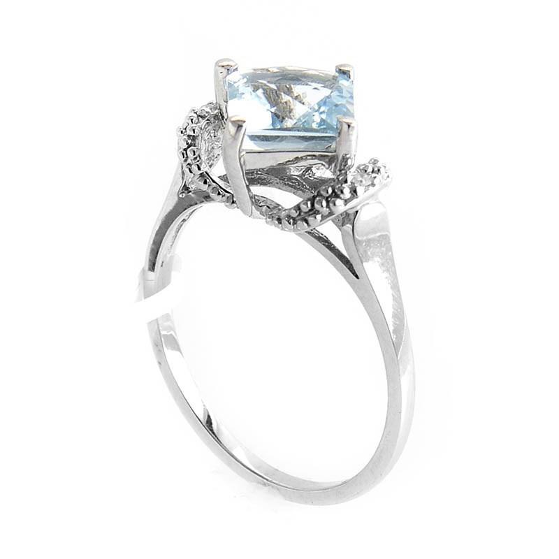 10K White Gold Diamond & Aquamarine Ring