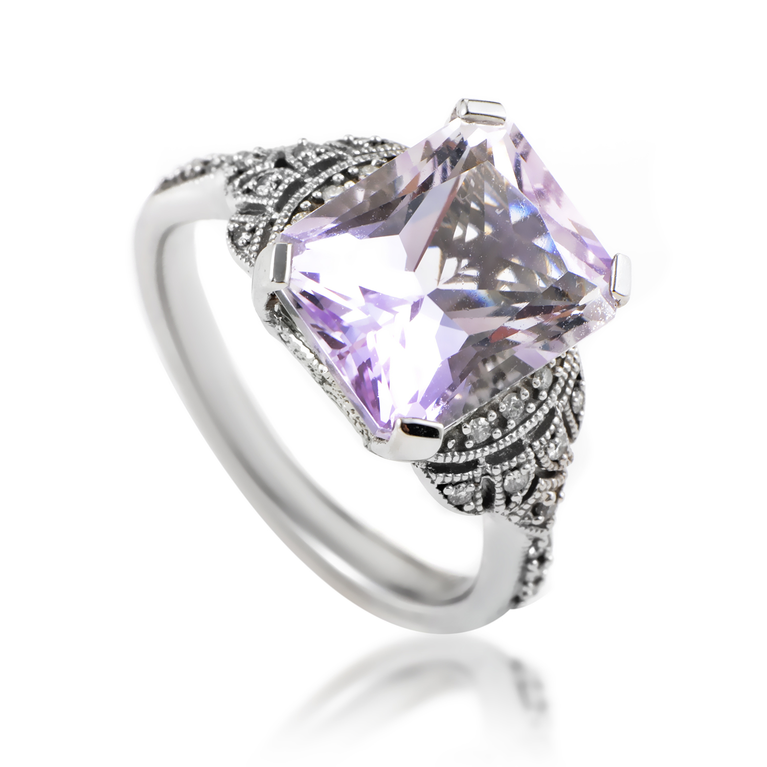 Women's 14K White Gold Diamond & Amethyst Ring RC4-10504WAM