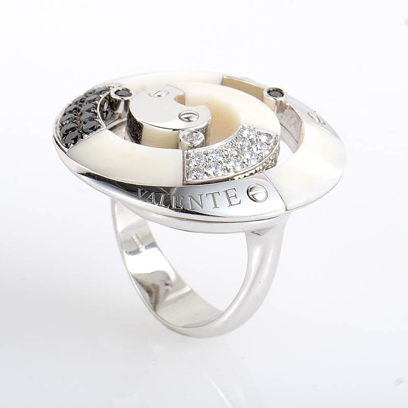18K White Gold Multi Diamond and White Onyx Swirl Ring