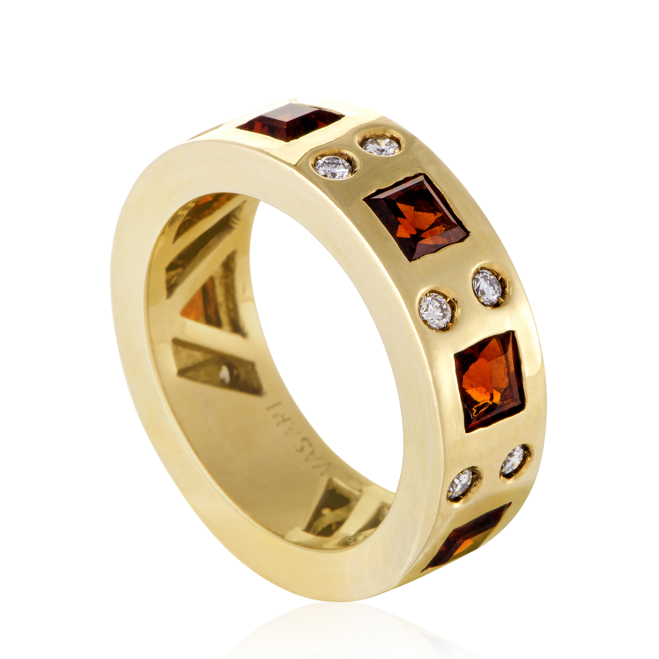 18K Yellow Gold Garnet & Diamond Band Ring