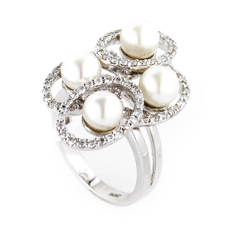 18K White Gold Diamond and Pearls Ring