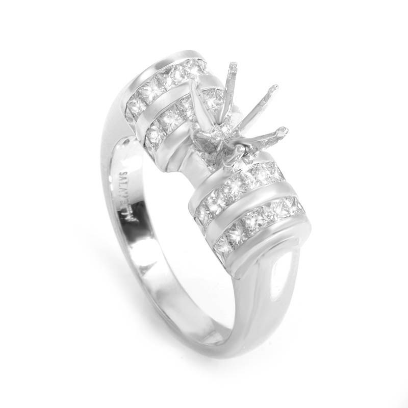 Glamorous 18K White Gold Bridal Setting
