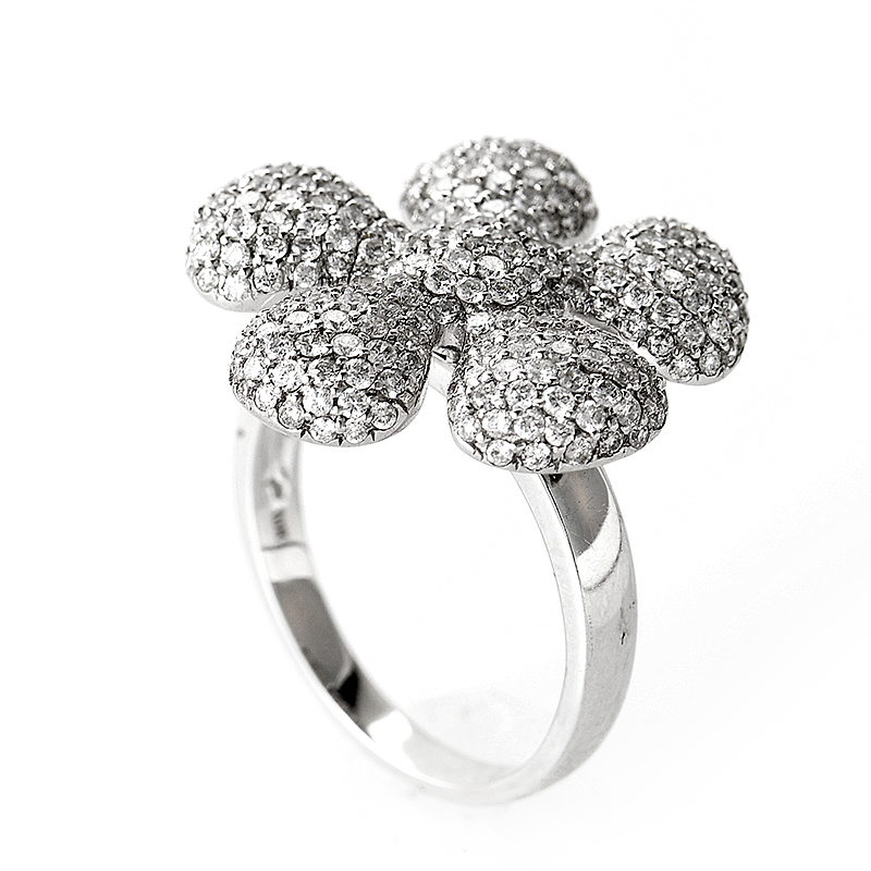 18K White Gold Diamond Daisy Ring CRR8973