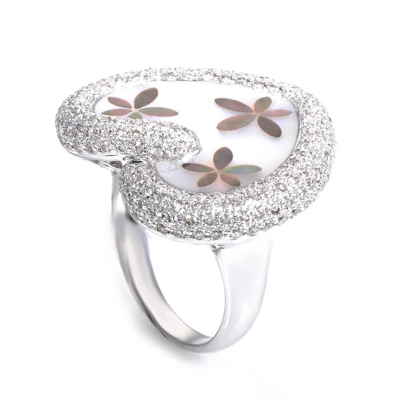 18K White Gold Mother of Pearl & Diamond Heart Ring