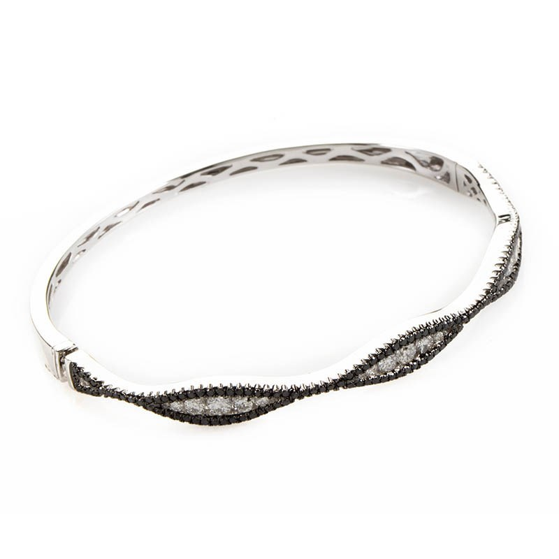 18K White Gold Black & White Diamond Bangle