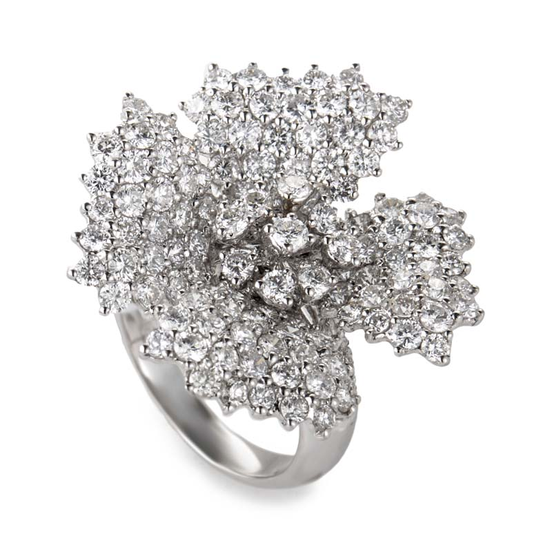 18K White Gold Diamond Flower Ring CRR5040