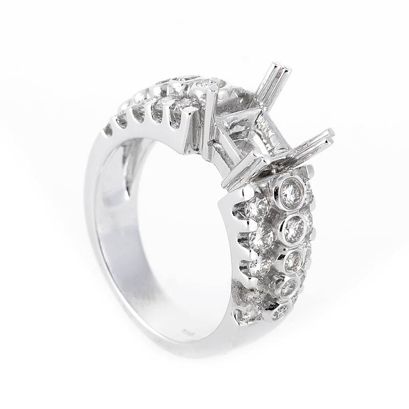 Glamorous 18K White Gold Diamond Engagement Ring Mounting
