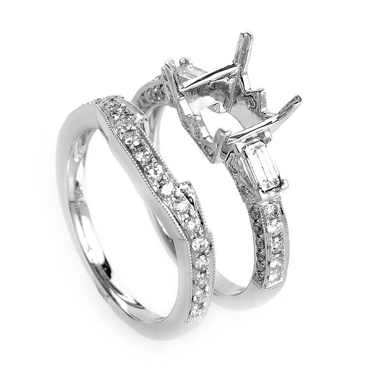 Glimmering 18K White Gold Diamond Mounting Set