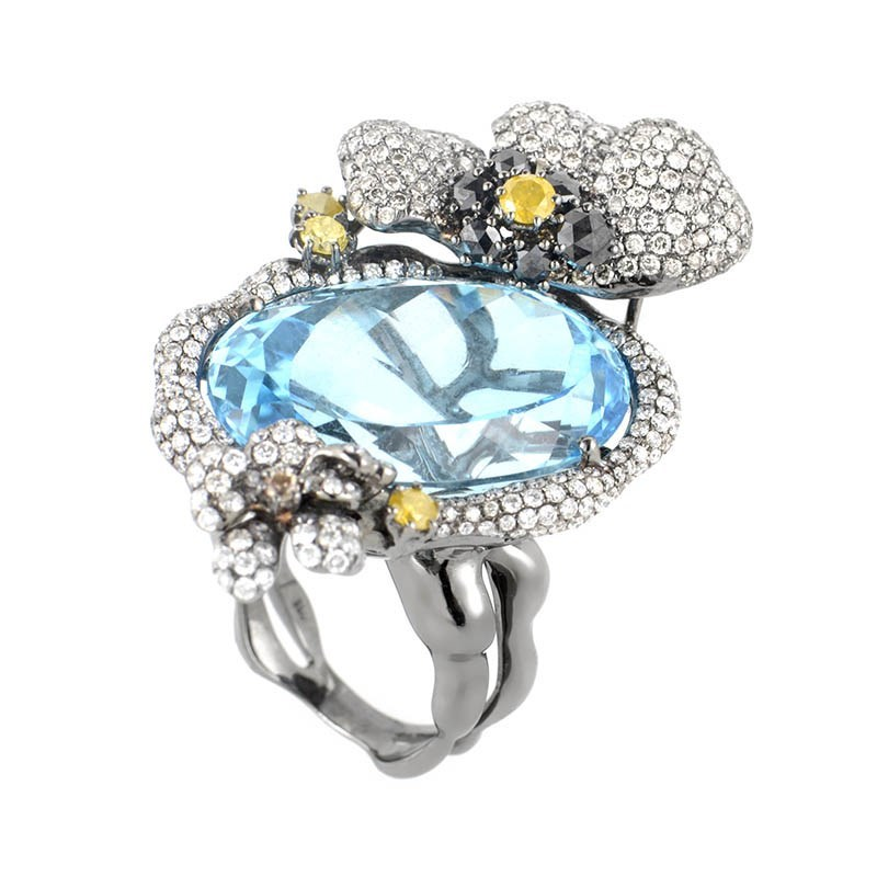 18K White Gold Topaz & Diamonds Ring