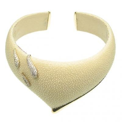 Striking 18K Yellow Gold Bijoux Collier Galuchat Diamond Necklace