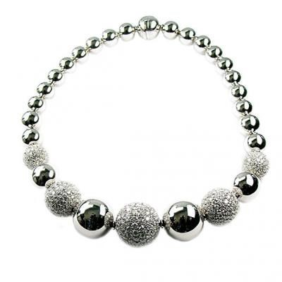 Sophisticated 18K White Gold Bijoux Collier Bolle Diamond Necklace