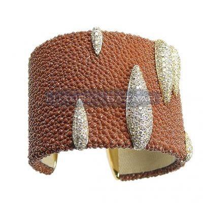 Modern 18K Yellow Gold Bijoux Galuchat Collection Diamond Cuff Bracelet