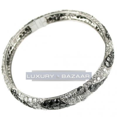 Sophisticated 18K White Gold Bijoux Rigide Collection Bangle Diamond Bracelet
