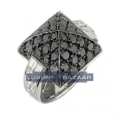Beautiful 18K White Gold Bijoux Bague Haute Joaillerie Collection Diamond Ring